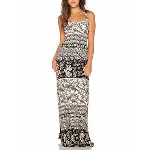 Novella Royale Babs Paisley maxi dress